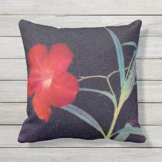 Almofada Brisa vermelha rústica da flor