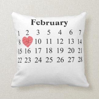 Almofada Calendário de fevereiro - mova o coração sobre SEU