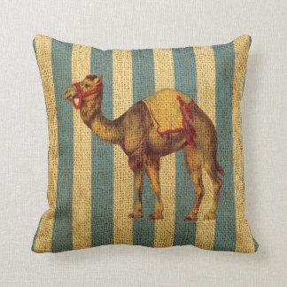 Almofada Camelo do circo do vintage em listras azuis