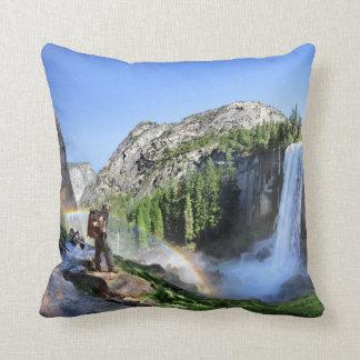 Almofada Caminhante da queda e arco-íris Vernal - Yosemite