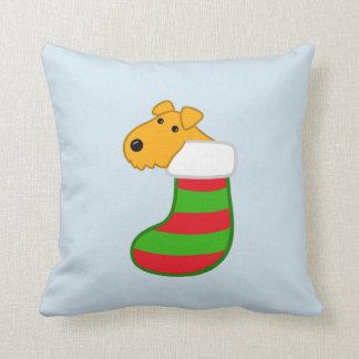 Almofada Cão bonito de Airedale no travesseiro da meia do