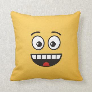 Almofada Cara de sorriso com boca aberta