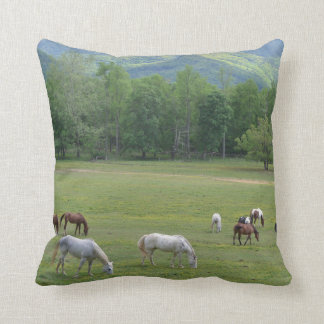 Almofada Cavalos da cordilheira que pastam o travesseiro