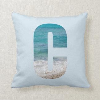 Almofada Cena da praia da letra C