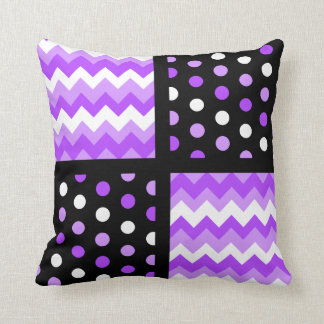 Almofada Chevron ultravioleta/branco do preto/Tom/Polkadot