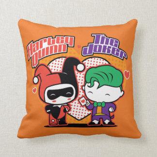 Almofada Chibi Harley Quinn & corações do palhaço de Chibi