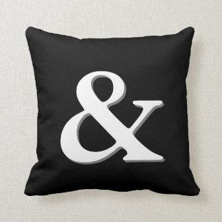 Almofada chique moderno preto e branco do travesseiro do