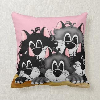 Almofada Cinco gatos em um travesseiro