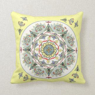 Almofada Círculo do travesseiro da mandala dos pássaros