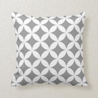 Almofada Círculos geométricos modernos em cinzento e em
