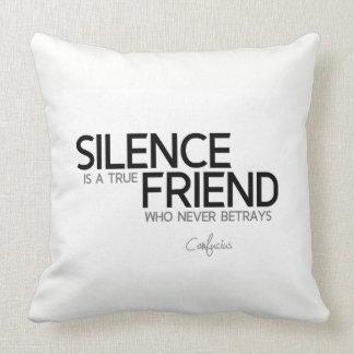 Almofada CITAÇÕES: Confucius: O silêncio é um amigo