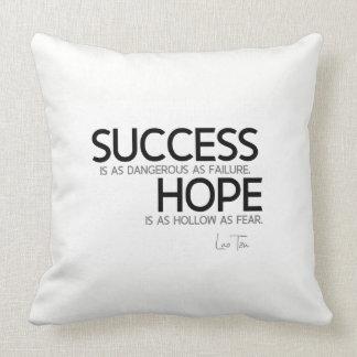 Almofada CITAÇÕES: Lao Tzu: Sucesso, esperança