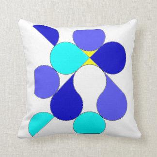 Almofada com motivo geométrico azul e amarelo