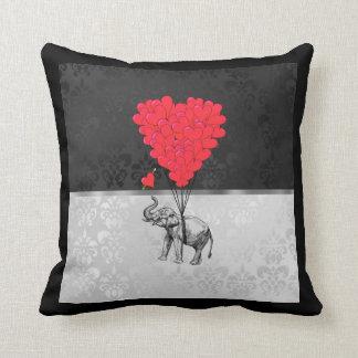 Almofada Coração bonito do elefante e do amor em cinzas