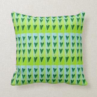 Almofada corações verdes