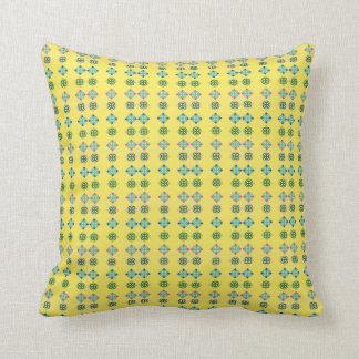 Almofada Coxim amarelo com padrões florais do azulejo de