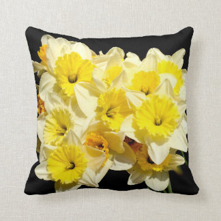 Almofada Coxim amarelo do lance do Daffodil do primavera