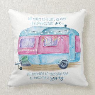 Almofada Coxim azul, cor-de-rosa e branco da caravana retro