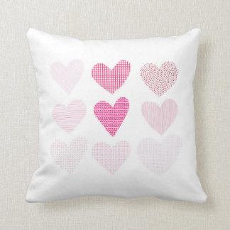 Almofada Coxim cor-de-rosa do lance dos corações do amor