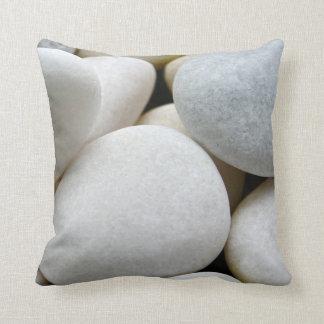 Almofada Coxim de pedra da foto dos seixos redondos brancos