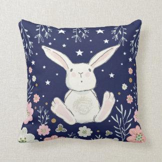 Almofada Coxim floral da decoração do berçário do coelho de