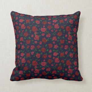 Almofada Coxim vermelho e cor-de-rosa dos rosas