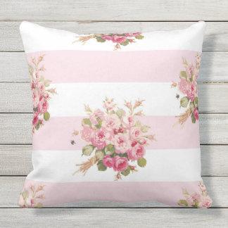 Almofada Da listra cor-de-rosa da peônia do buquê de Jane