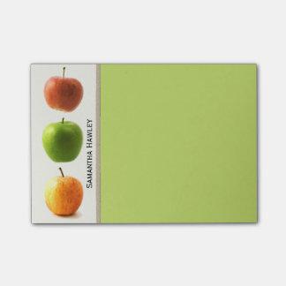 Almofada de nota do professor colorido das maçãs post-it note