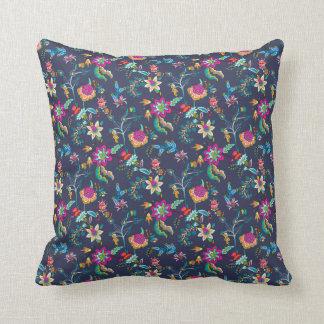 Almofada Decorador floral amarelo cor-de-rosa de chintz dos