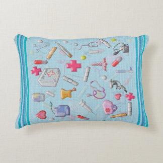 Almofada Decorativa A enfermeira ou o paciente obtêm o travesseiro bom