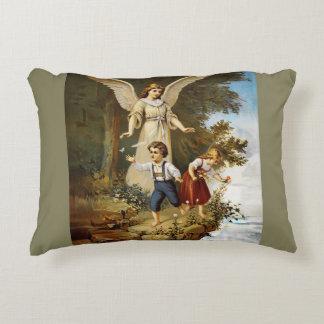 Almofada Decorativa Anjo no penhasco com crianças