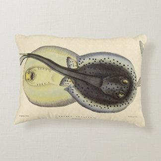 Almofada Decorativa Arraias-lixas manchadas vintage, animais marinhos