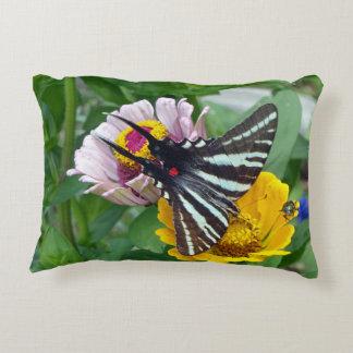 Almofada Decorativa Borboleta de Swallowtail da zebra