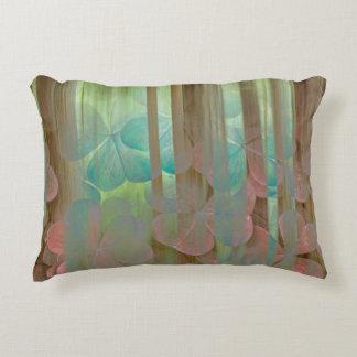 Almofada Decorativa Colagem de Oxalis e de árvores | Seabeck, WA