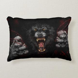 Almofada Decorativa Homem-lobo que rasga para fora seu coração