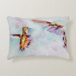Almofada Decorativa Impressão crepuscular do colibri dos dançarinos