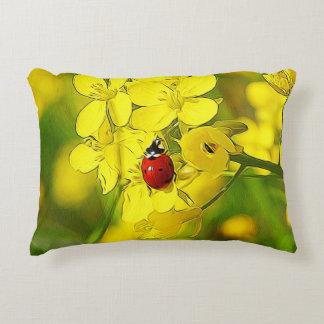 Almofada Decorativa Joaninha amarelo do vermelho da boa sorte da flor