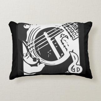 Almofada Decorativa Jogo da guitarra do melómano preto e branco