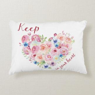 Almofada Decorativa Mantenha o amor em seu coração