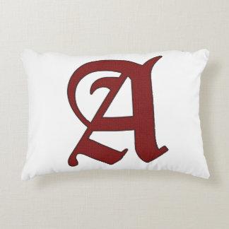 Almofada Decorativa O escarlate de letra