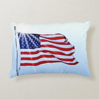 Almofada Decorativa Os Estados Unidos da América embandeiram no vento