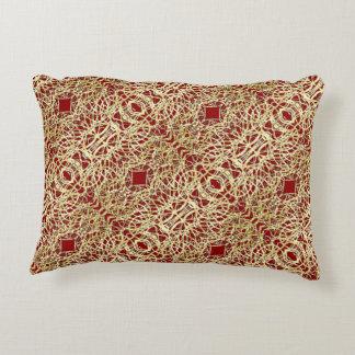 Almofada Decorativa Ouro metálico e design filigrana vermelho do