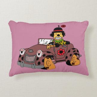 Almofada Decorativa Palhaço no carro