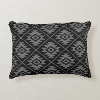 Almofada Decorativa Preto estilizado & cinzas do símbolo asteca 2Way