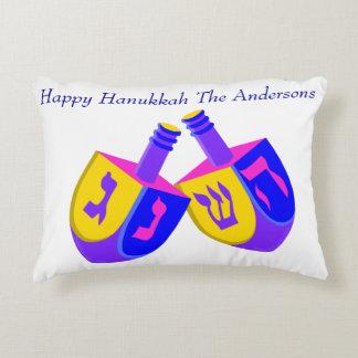 Almofada Decorativa Reversible colorido de Hanukkah Dreidels a Chevron