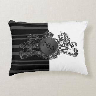 Almofada Decorativa Travesseiro branco do portador de anel do emblema