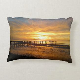 Almofada Decorativa Travesseiro da opinião do cais do nascer do sol do