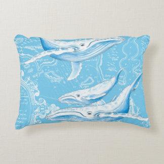 Almofada Decorativa Vintage da família das baleias azuis