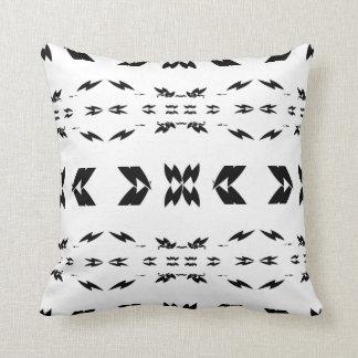 Almofada Design do sudoeste preto e branco
