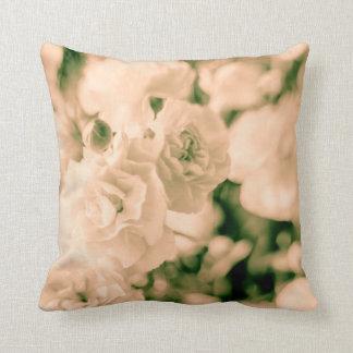 Almofada Design floral dos cravos do romance e dos